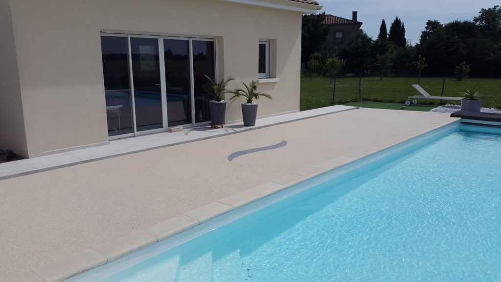 flooring for private swimming pool decks