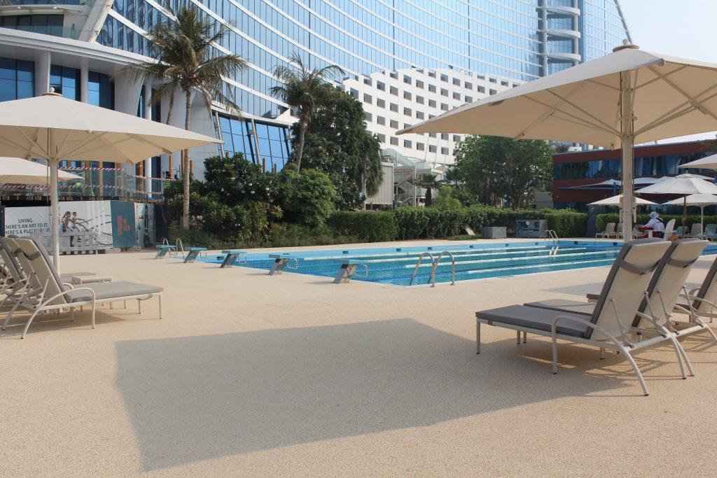 plage de piscine infinie Dubai
