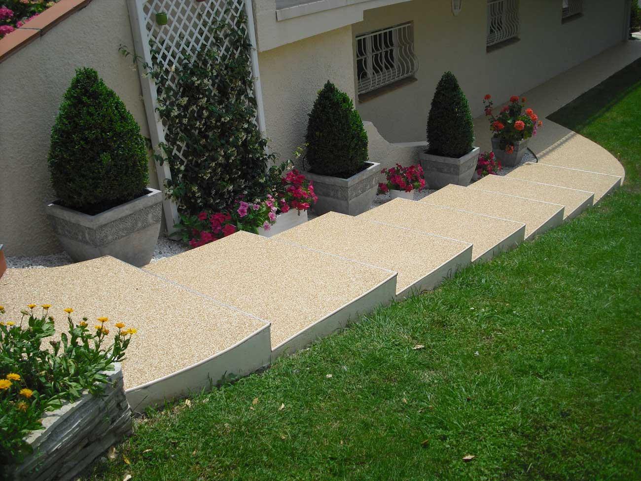Escaliers en moquette de pierre